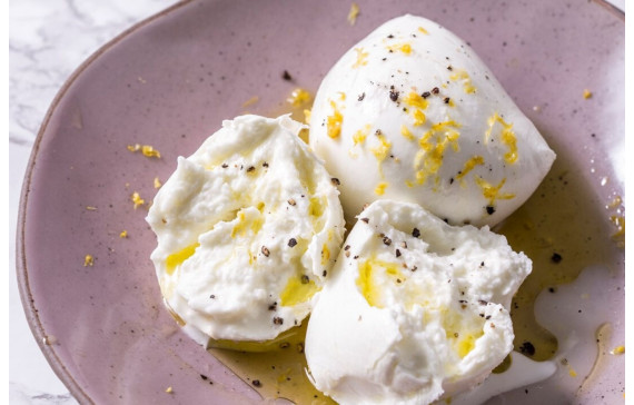 BURRATA: AN AUTHENTIC TASTE OF APULIA